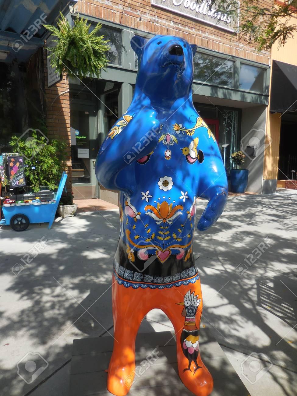 June 17, 2017 - Hendersonville, NC - decorative bear Stock Photo - 93494297