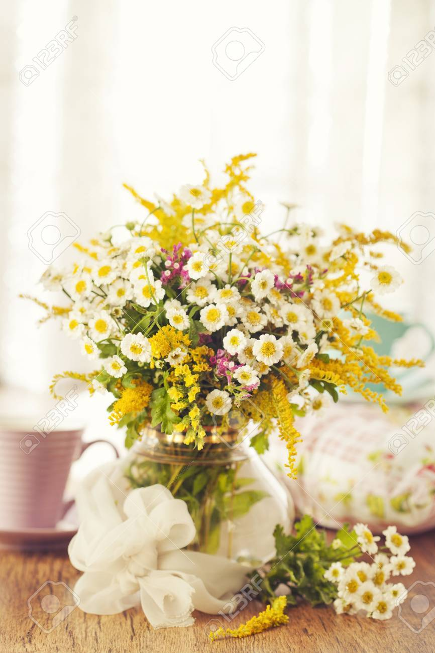 Two cups of tea and summer flowers Stock Photo - 14842390