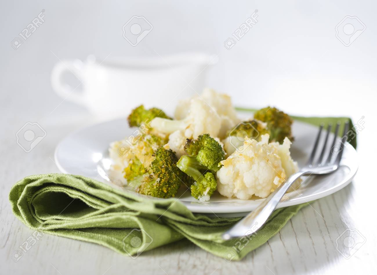 Broccoli and cauliflower gratin with cheese Stock Photo - 17925504
