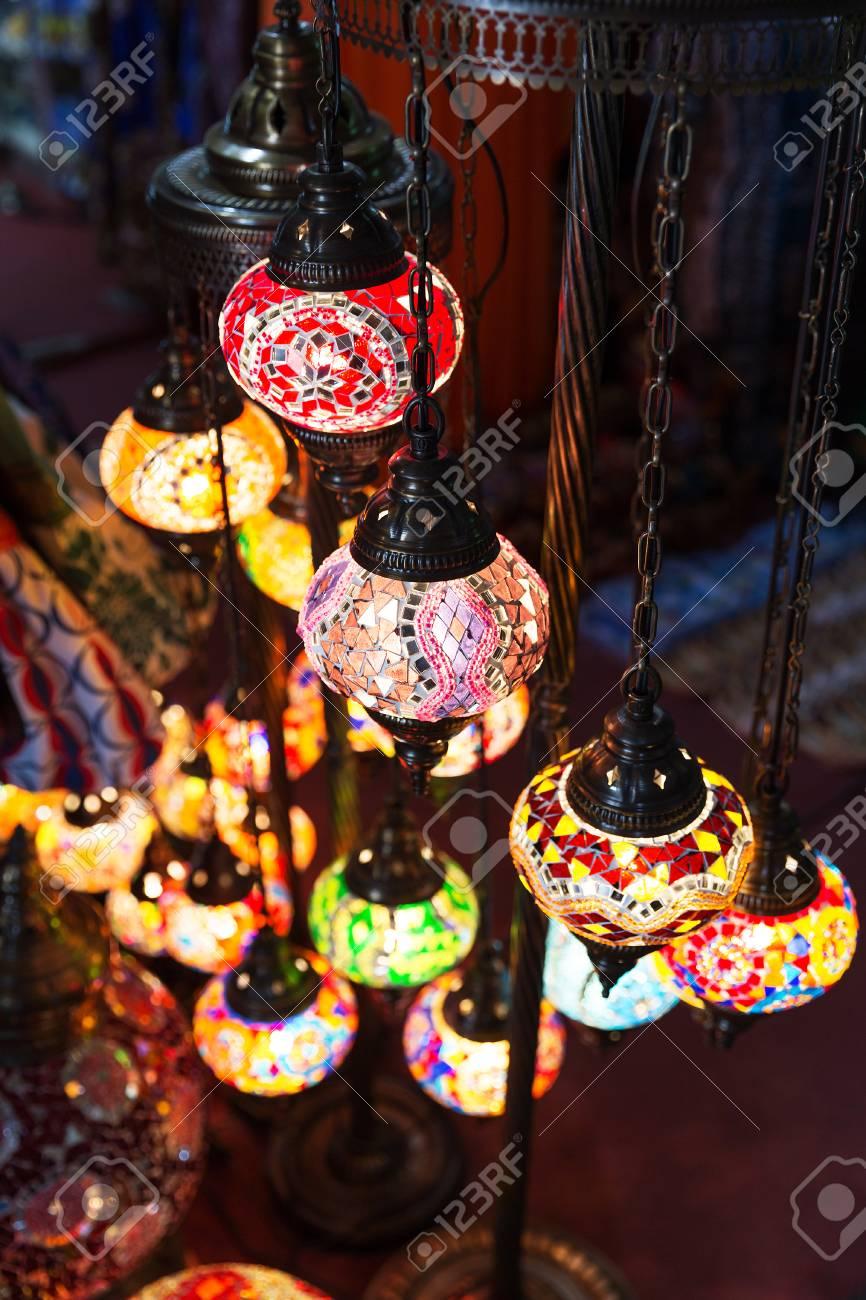 Lampade Orientali Orientali Illuminano Nell Oscurita Foto Royalty