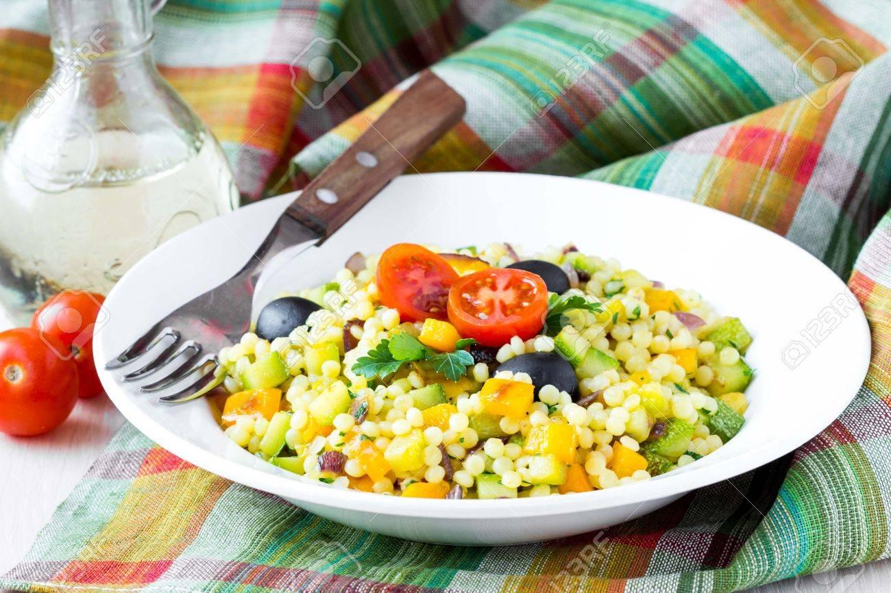 Sommergerichte Zucchini : Israelischen couscous ptitim mit gemüse zucchini paprika
