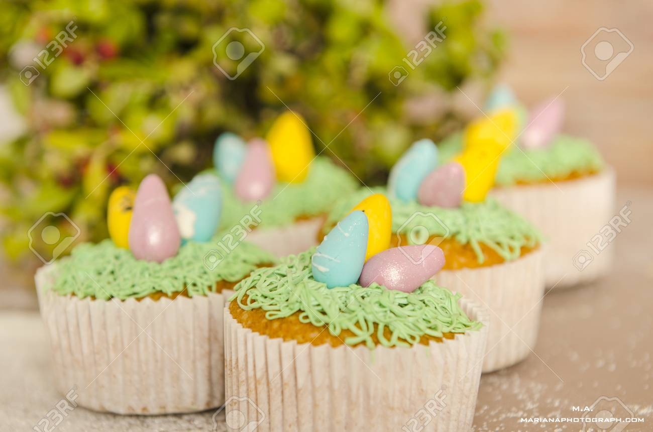 Beautiful Cute Easter Cupcakes With Decorations