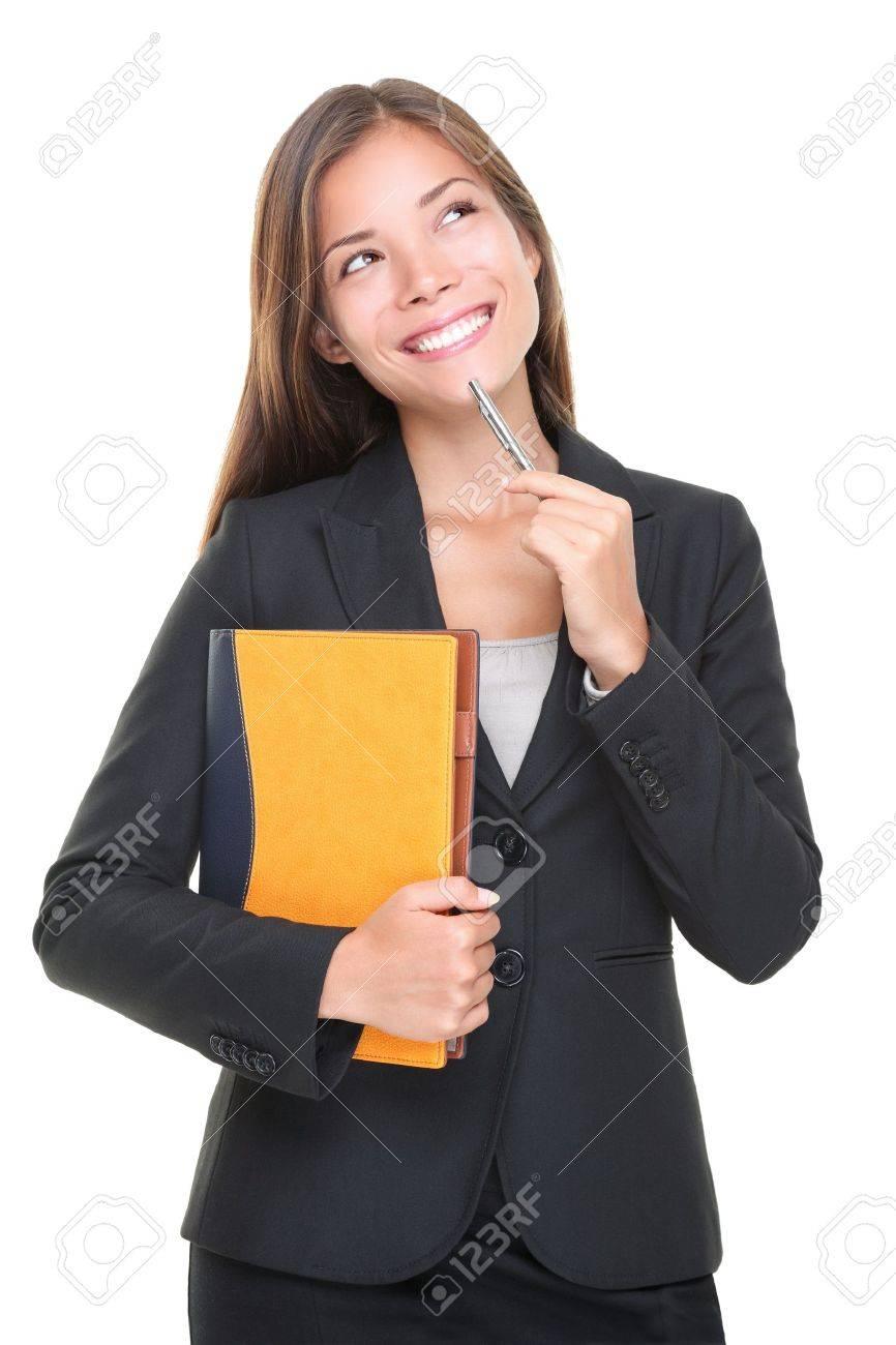 a3cbad791 Agente de bienes raíces pensando. Decisión de negocios: mujer hacer una  elección sobre fondo blanco. Hermosa caucásica asiáticos profesional