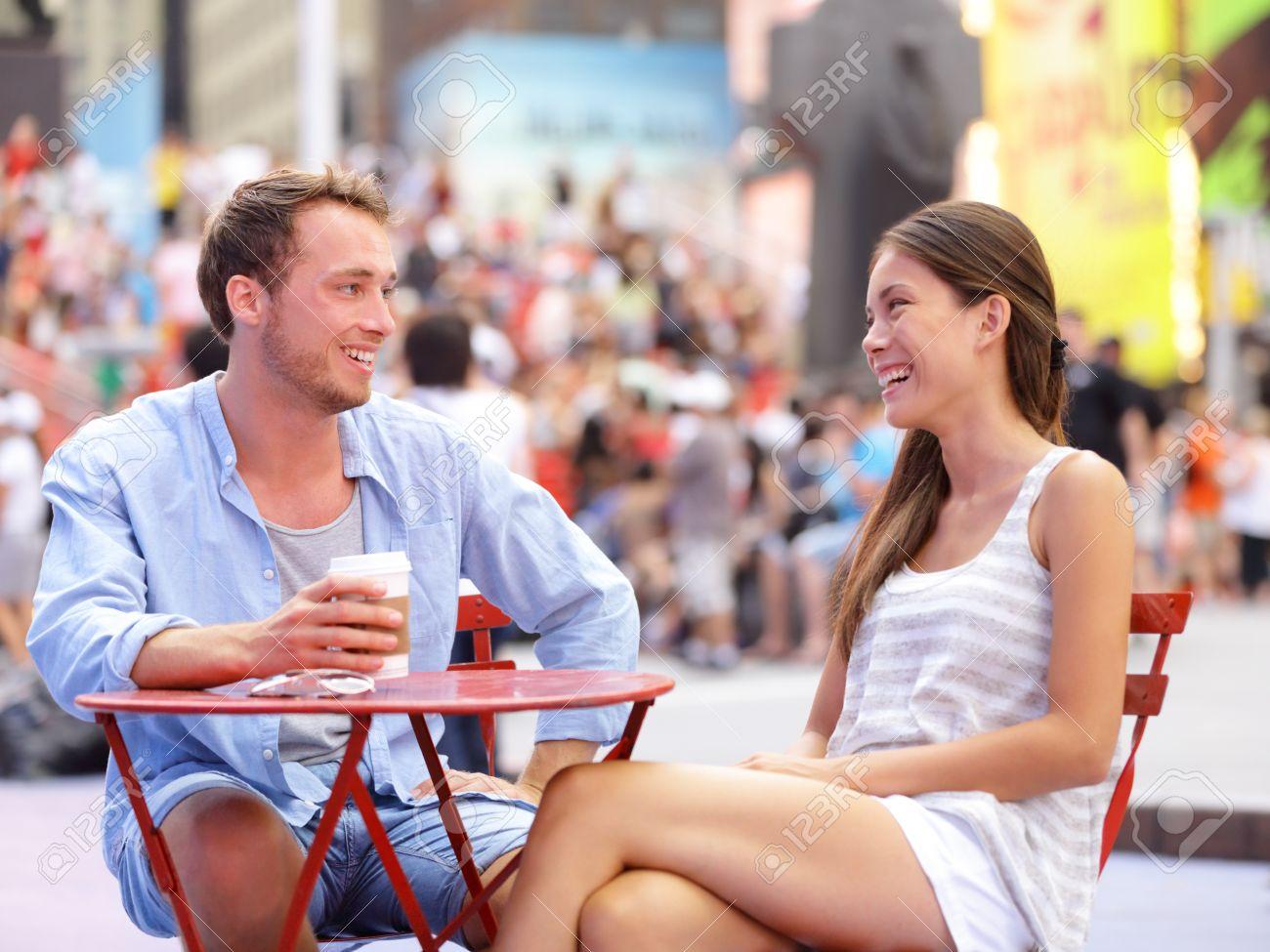 Incontri Servizi NYC recensioni SNL dating attrice