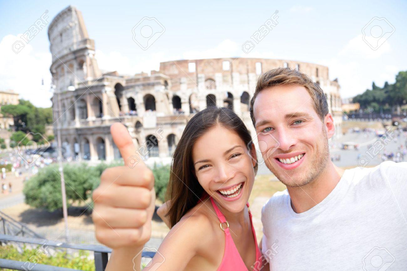 Super Selfie - Romantic Couple De Voyage Par Colisée, Rome, Italie  IQ27