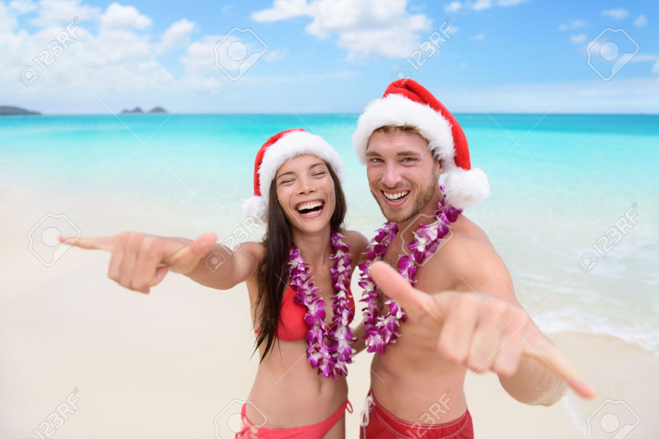 Hawaii Christmas.Christmas Hawaii Vacation Hawaiian Beach Couple Wearing Santa