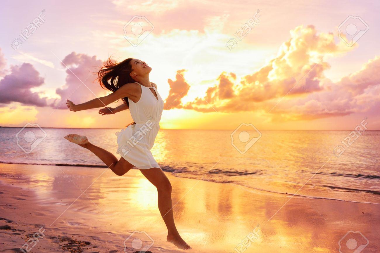 Freedom Wellness Bien-être Concept De Bonheur. Bonne Femme ...