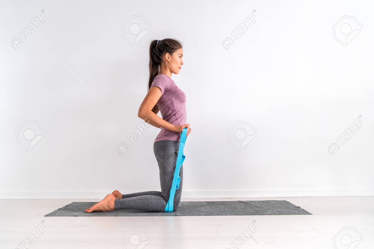 Resistance Band Strap Fitness Bicep Curls Workout Training Woman