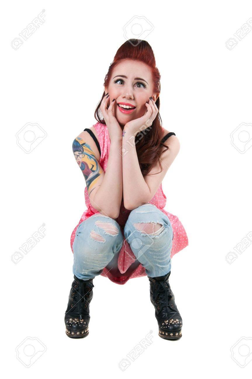 1a230dda9 Bastante Joven Mujer Modelo De Rock Con Corte De Pelo Rojo Lindo ...