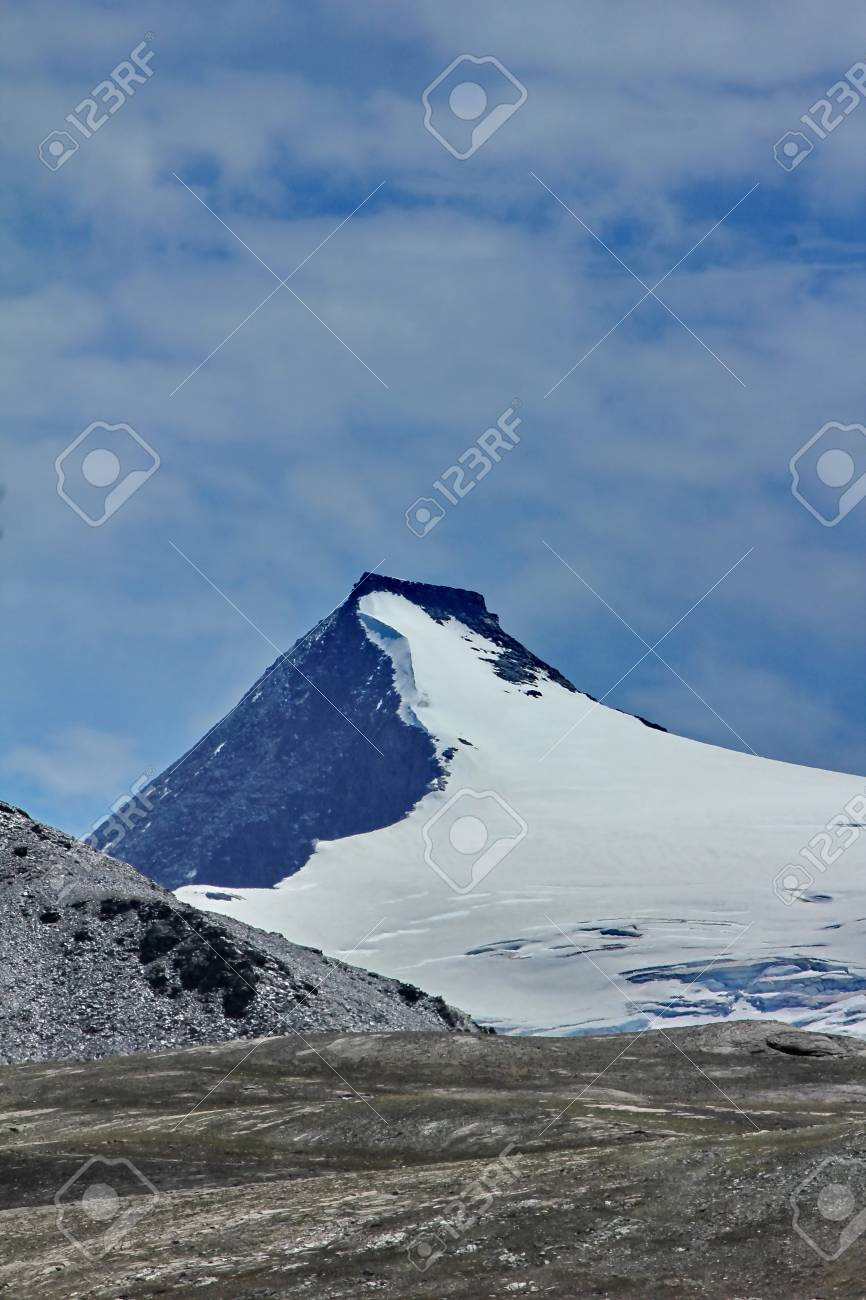 mountain and snow and sky blue Stock Photo - 11512858