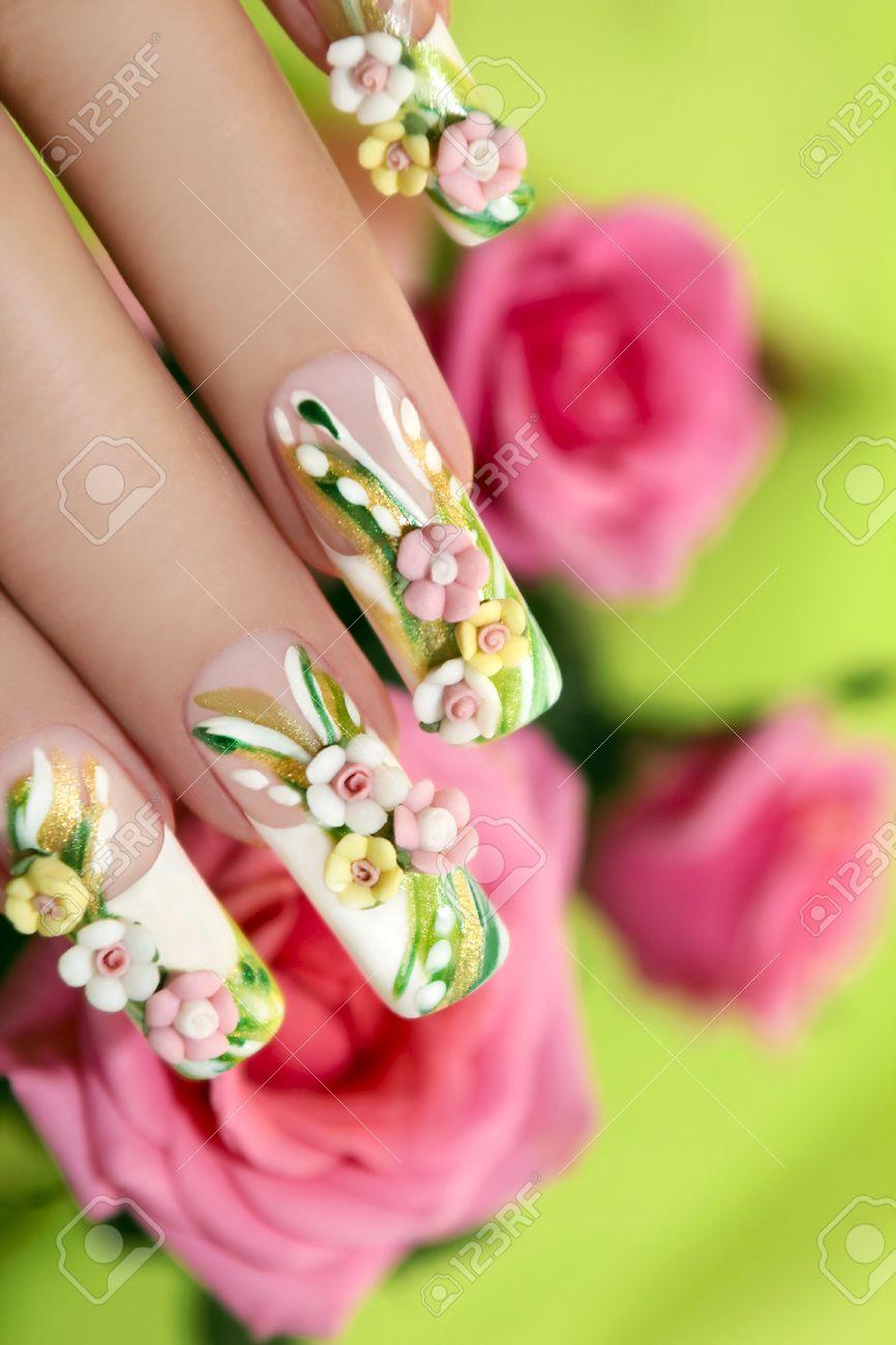 Sommer Acryl Rosen Auf Kunstliche Nagel Mit Rosen Auf Einem Grunen