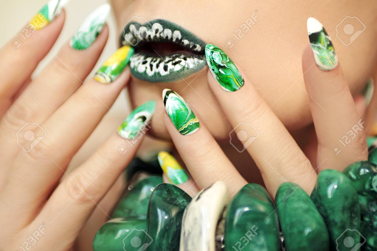 Stone Blurred Water Manicure White, Yellow, Green And Black Nail ...