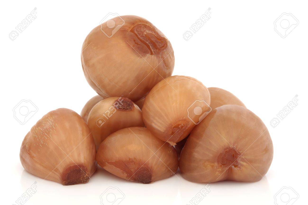 Pickled onion pile isolated over white background. Stock Photo - 9026396