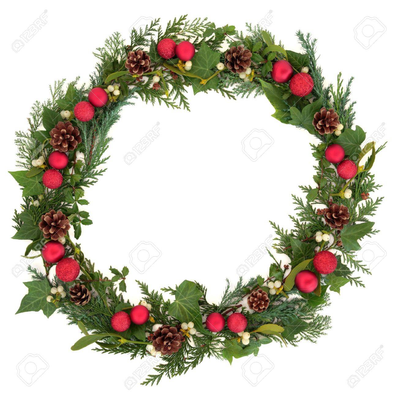 Corona De Navidad Con Adornos De Color Rojo, El Acebo, El Muérdago ...