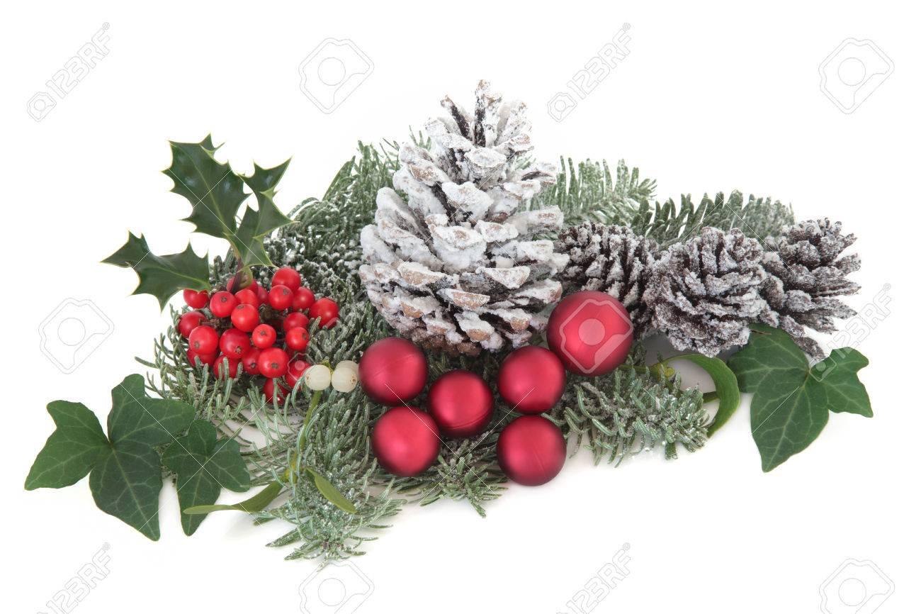 Decoración De Navidad Y De Invierno Con Acebo, Nieve, Bolas De Color ...