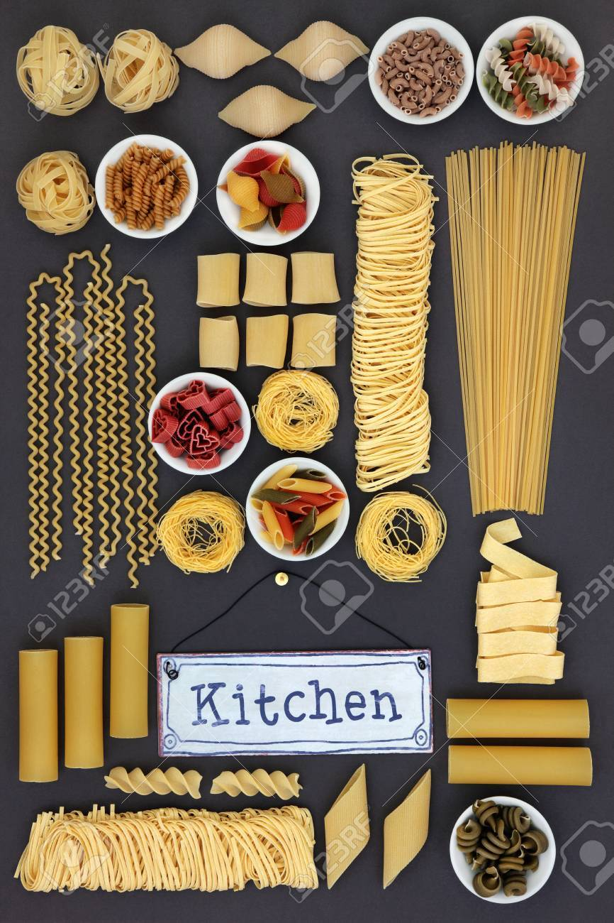 Große Getrocknete Italienische Pasta Essen Sampler Mit Alten Metall ...