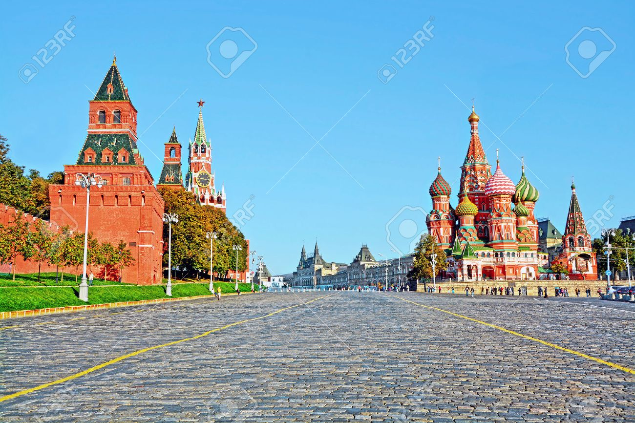 Moscow Kremlin and at St Basil Cathedral on Red Square in Moscow, Russia - 53592034
