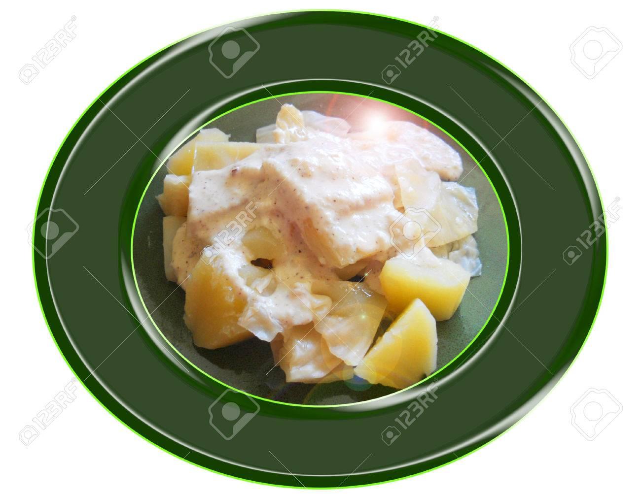 Cabbage  with  cashew sauce. Composition. Foto de archivo - 33679330