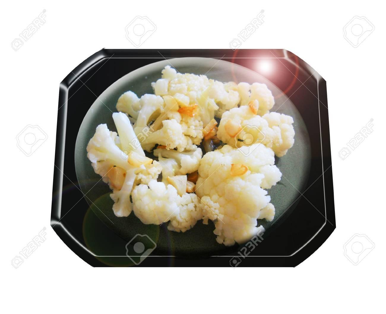 Cauliflower with baked garlic. Composition. Foto de archivo - 44132921