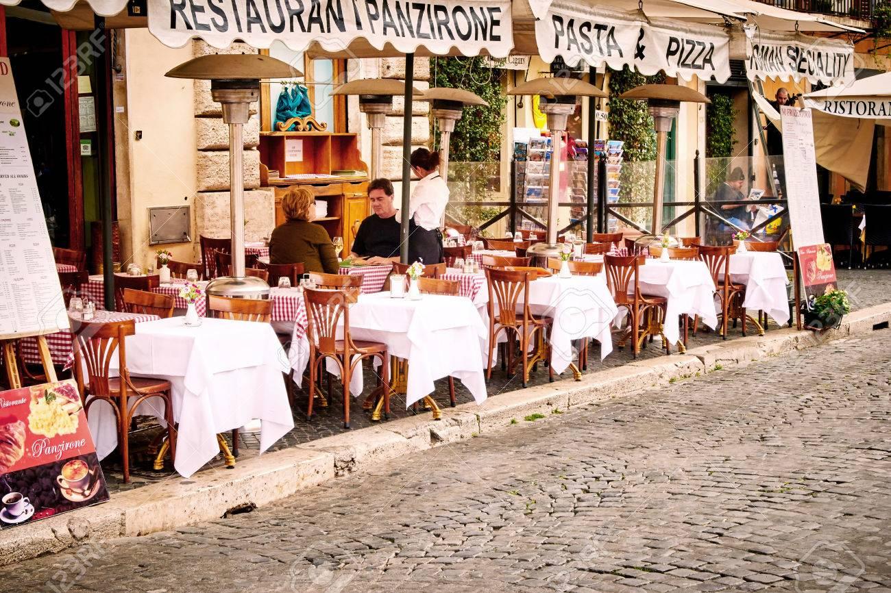 Rom Italien 29 Oktober Die Gaste Auf Dem Schonen Restaurant