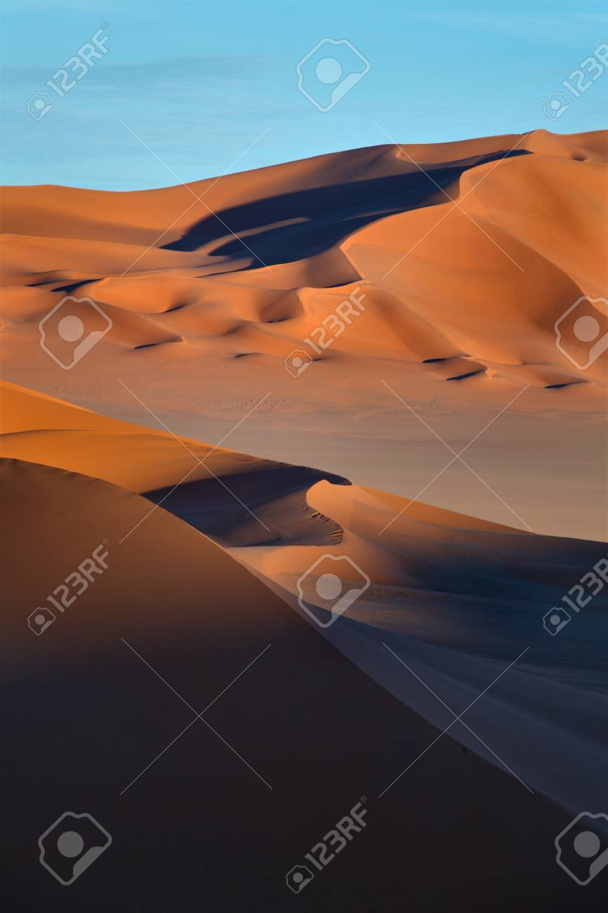An image of the Sahara desert in Libya Stock Photo - 13816391