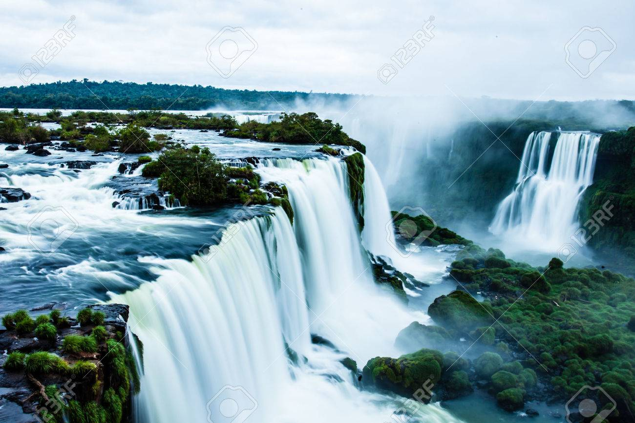 Iguassu Falls, the largest series of waterfalls of the world, view from Brazilian side - 25186555