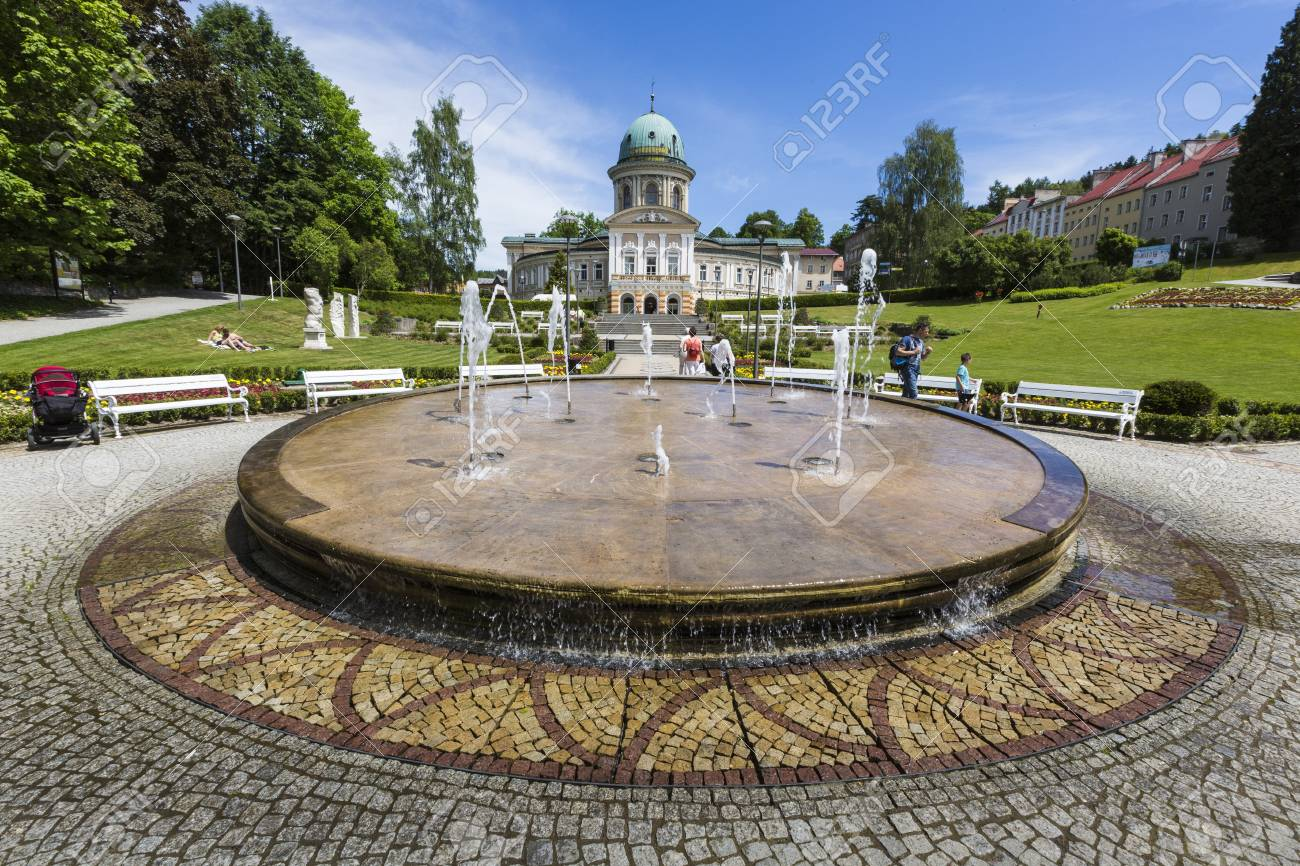 Voivodato Della Slesia Polonia ladek zdroj, polonia - 5 giugno 2017: ladek zdroj è una città nella contea  di klodzko, voivodato della bassa slesia, nella polonia sud-occidentale.