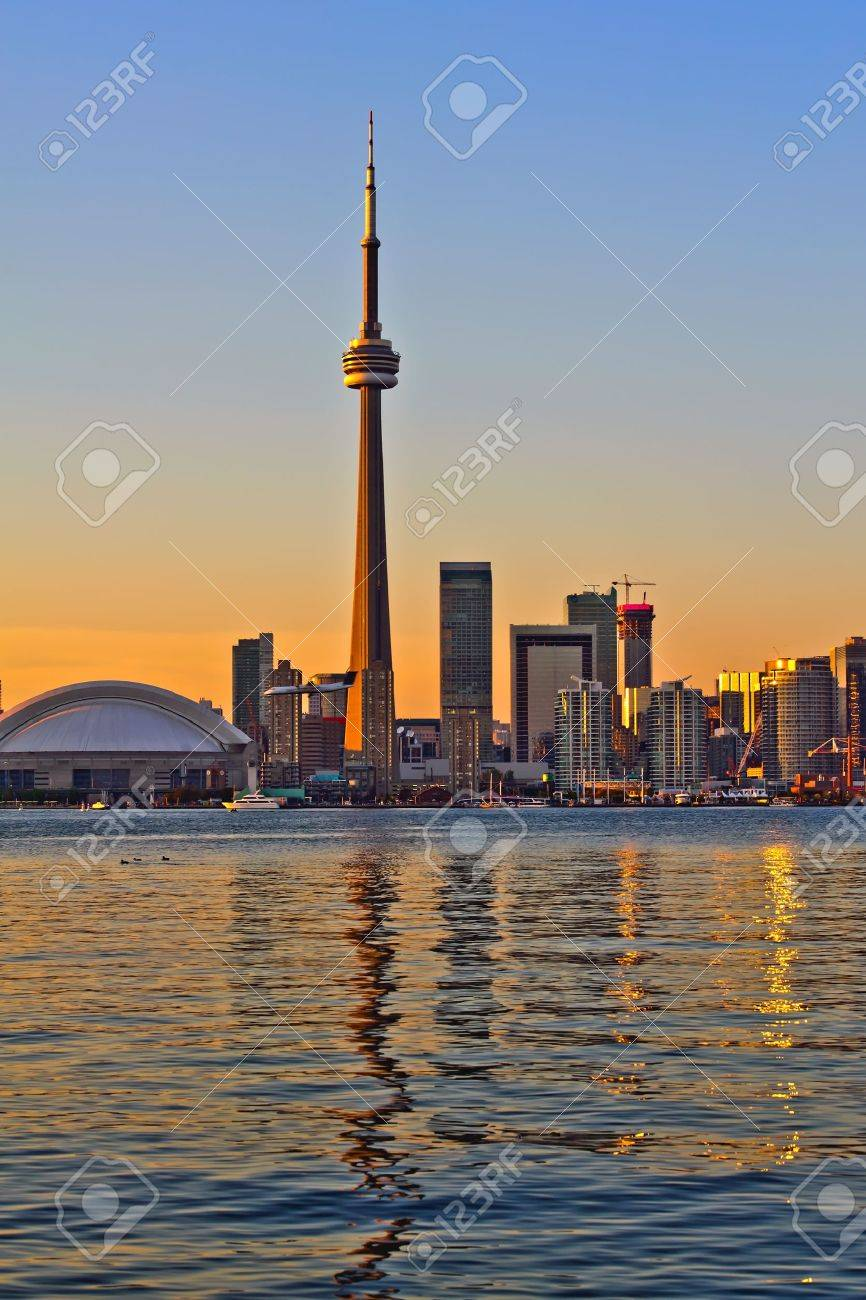 Toronto city sunset view from center island Stock Photo - 10910119