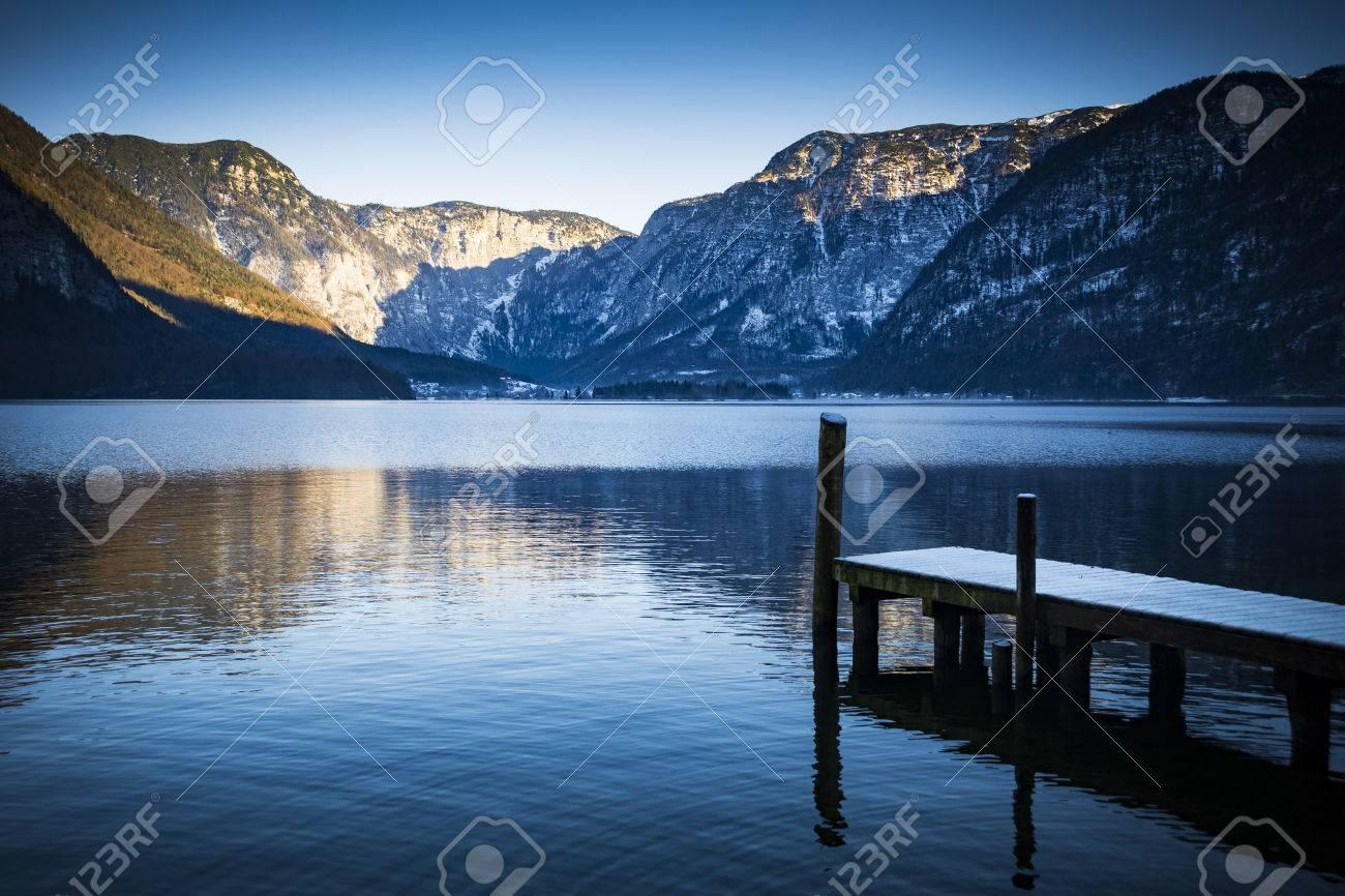 Lac Autrichien Et Montagnes Hallstatt Prs De Salzbourg Banque D Tri Dimages