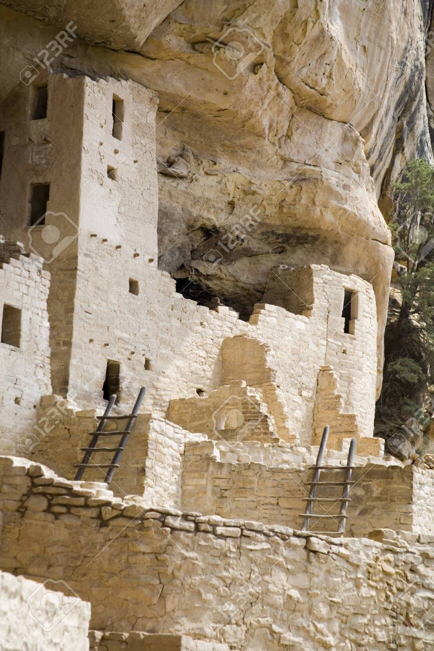 abandoned cliff dwellings in Mesa Verde - 125244144