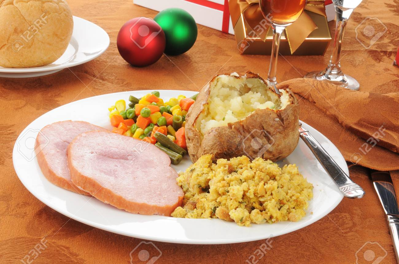 Christmas Ham Dinner.Christmas Dinner With Ham And Stuffing