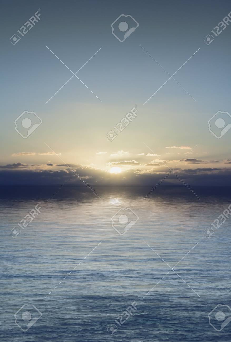 An image of a beautiful sunset over the ocean Stock Photo - 7610799