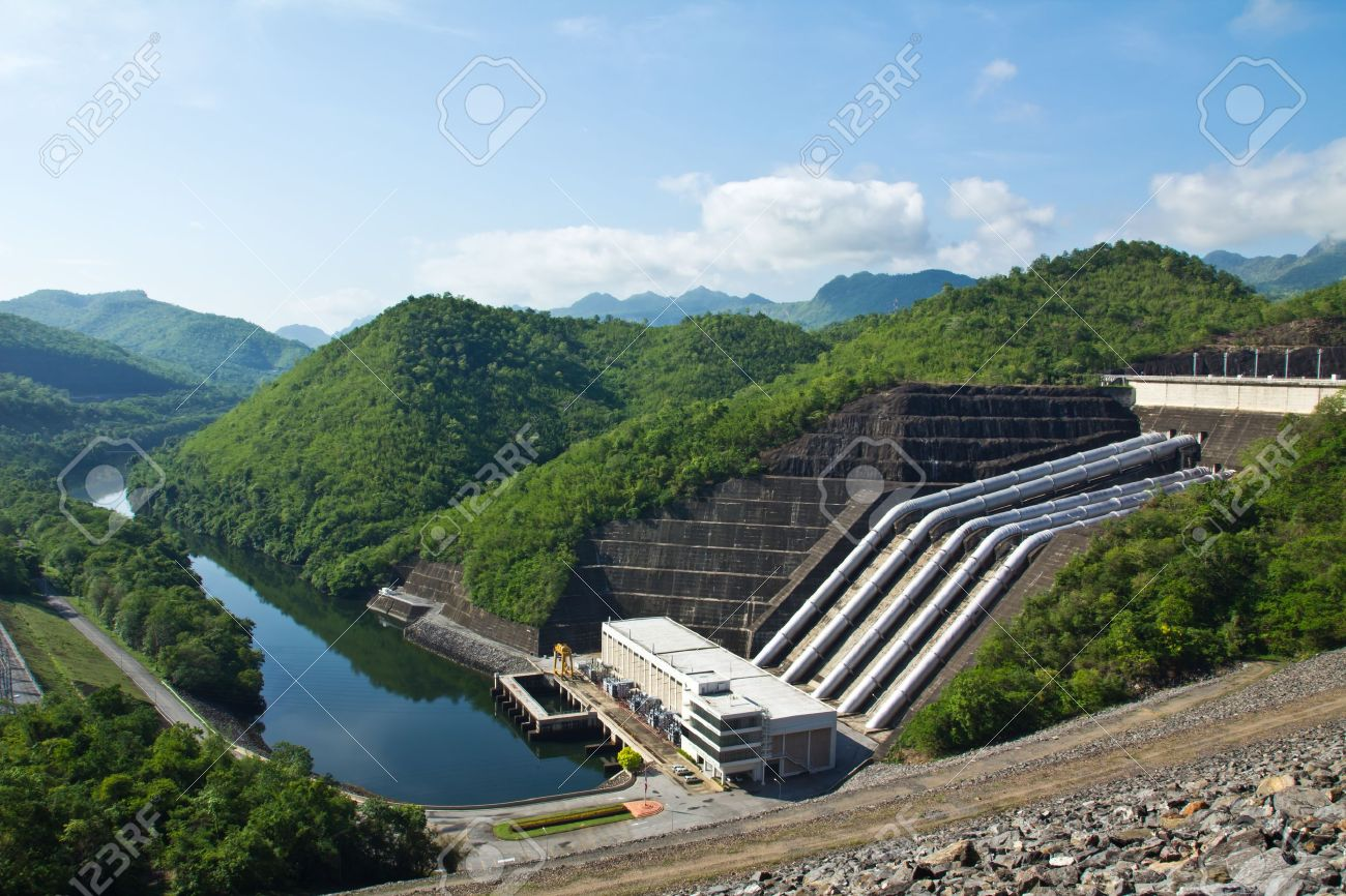Hydroelectric power plant Stock Photo - 13169670