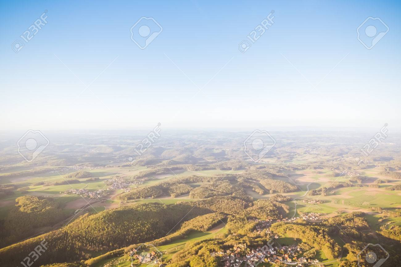 cherry blossom ballooning at upper frankonia bavaria germany Standard-Bild - 58417392