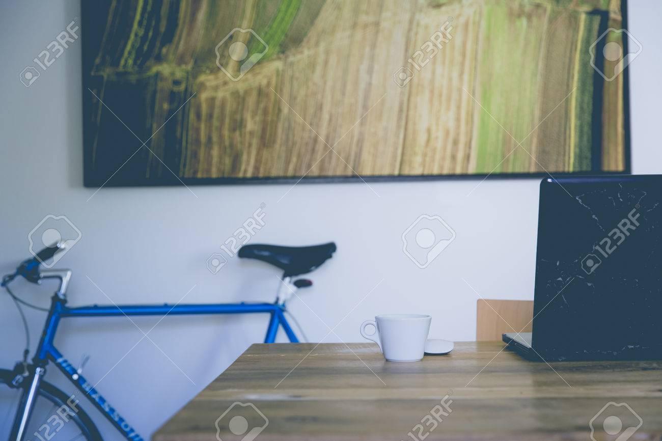 maßgeschneiderte Stil städtischen Rennrad Standard-Bild - 64713107