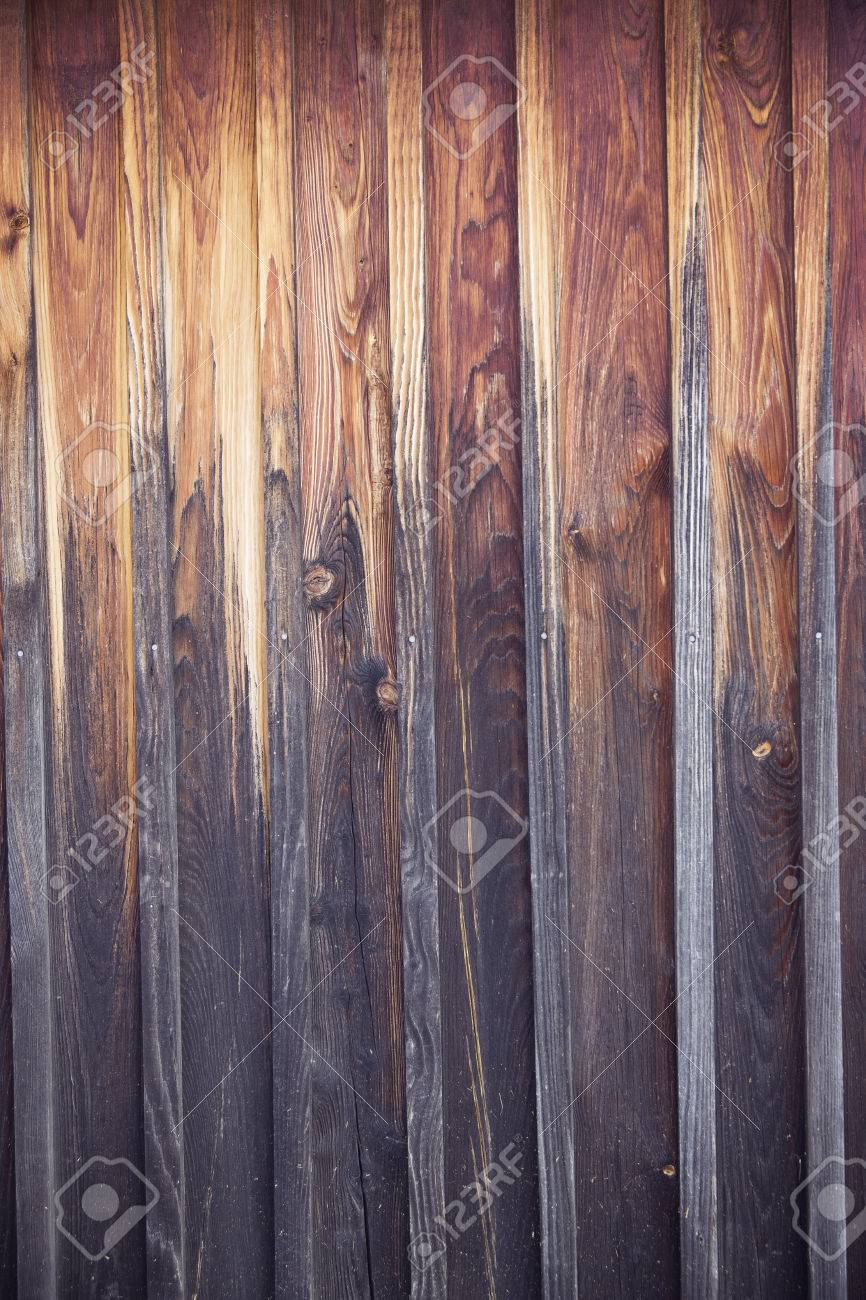 dunkelbraun verwittert Holzboden Standard-Bild - 64713109