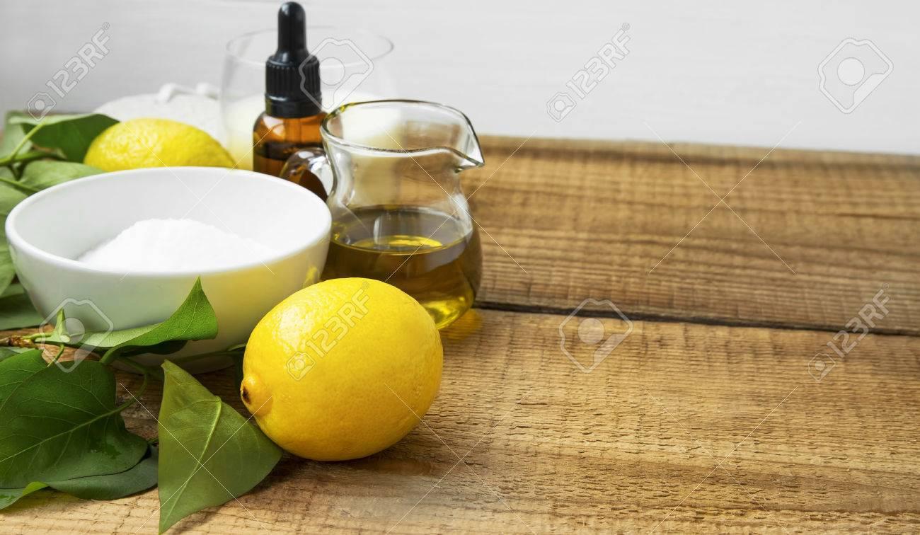 Agua limon bicarbonato y aceite de oliva
