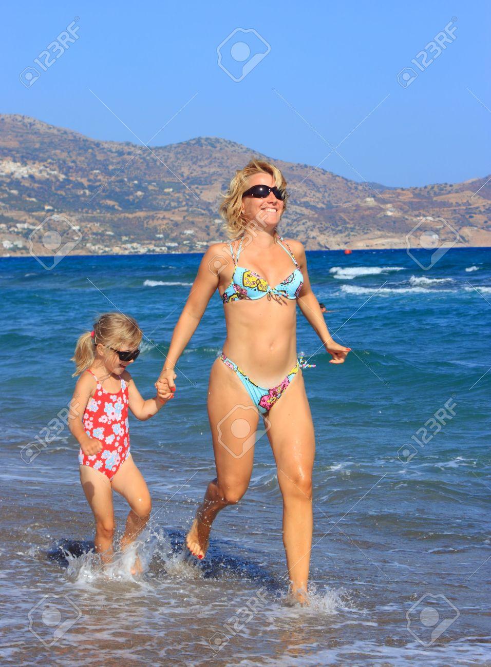 Mom beach 3d images 52