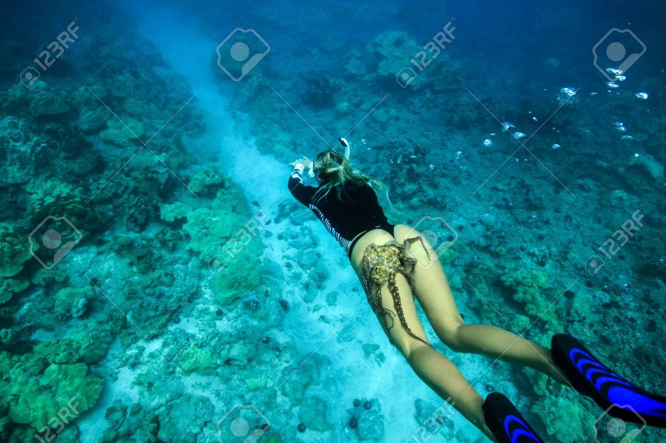 Hot chicks underwater