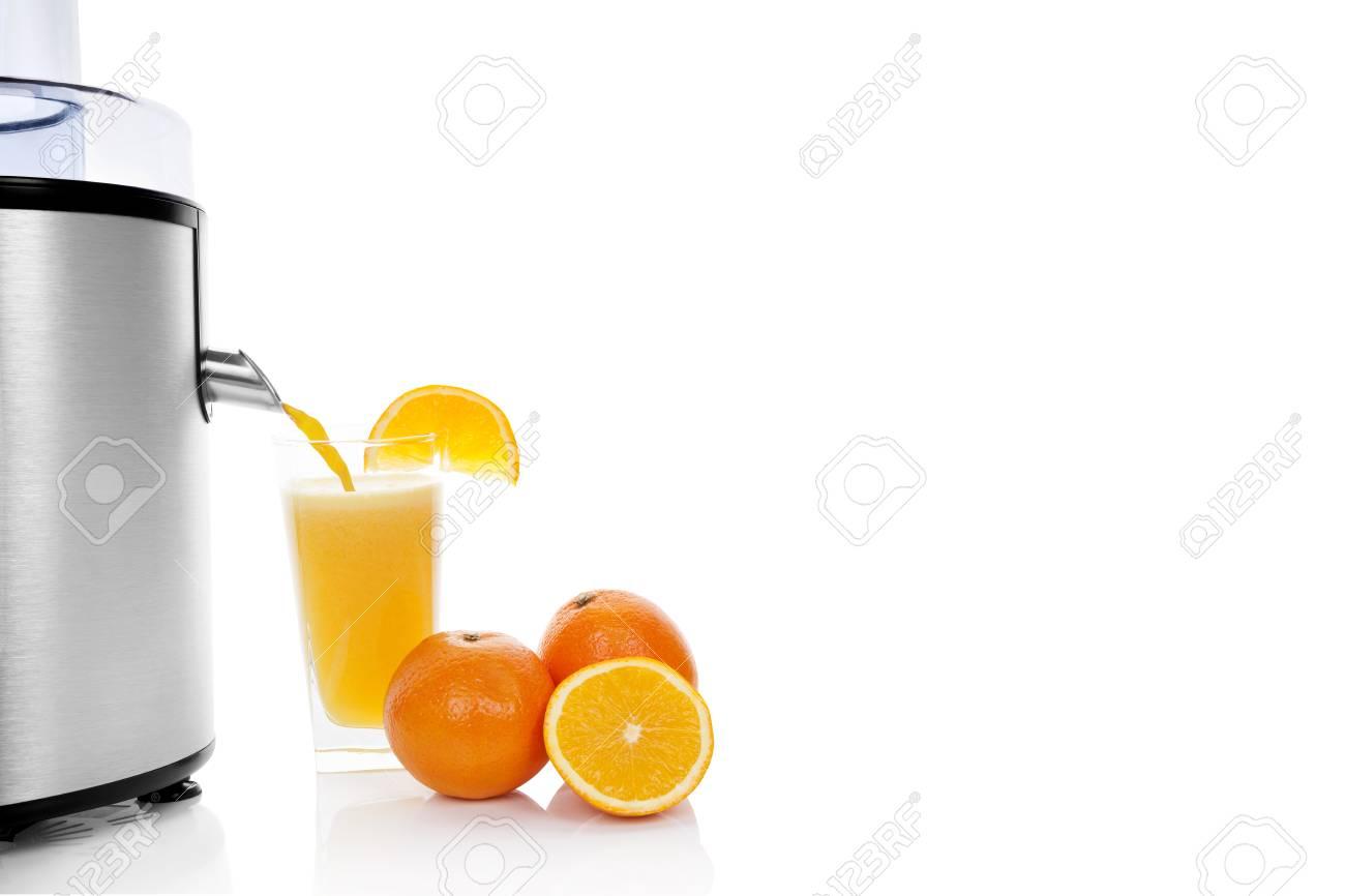 Fresh Orange Saftherstellung. Silber Entsafter, Reifen