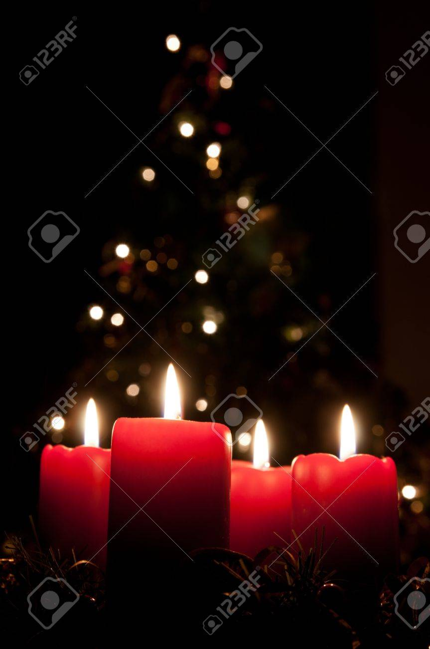 Christmas advent wreath with burning candles Stock Photo - 14656710