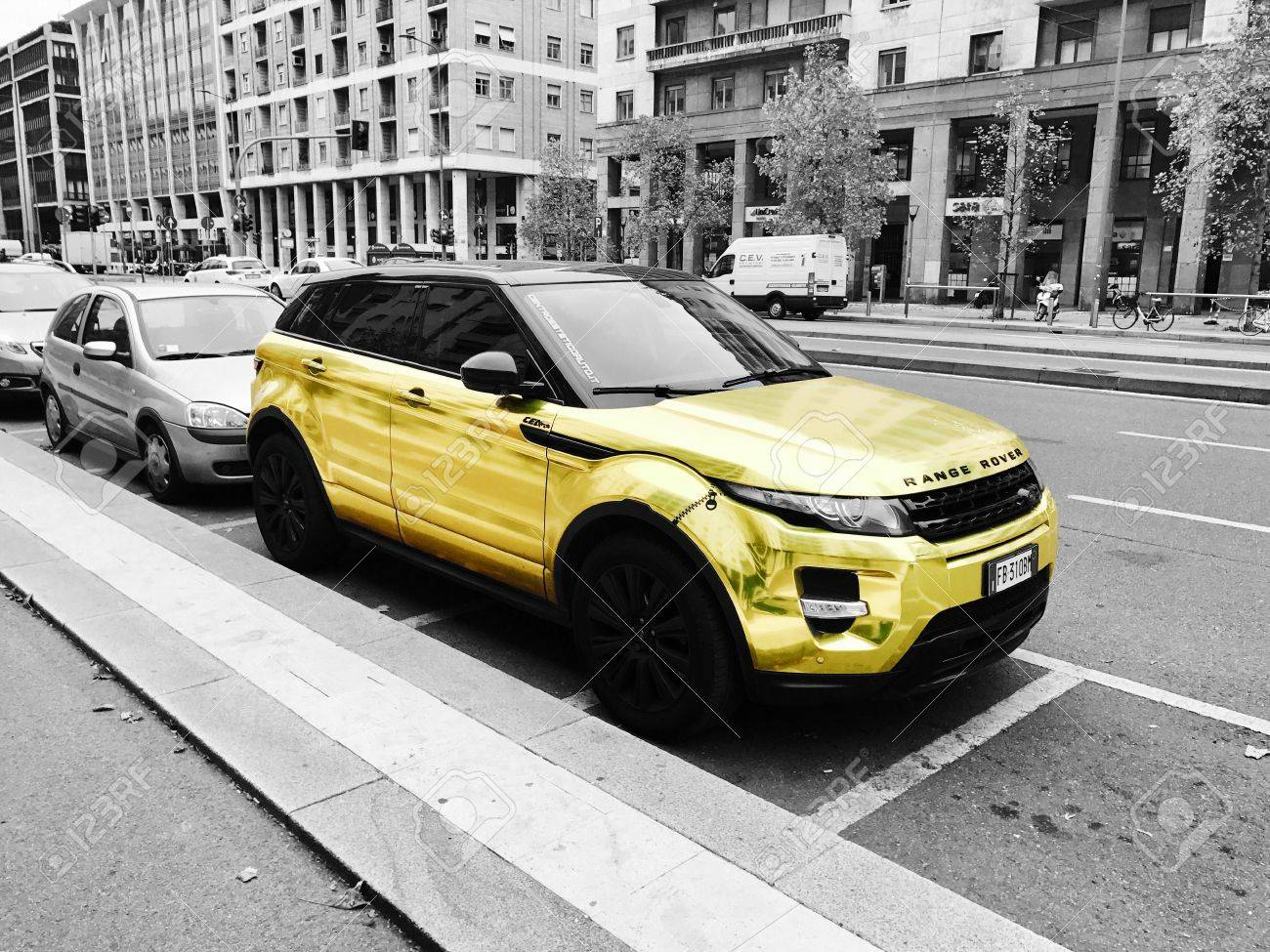 Golden Range Rover Stock Photo Picture And Royalty Free Image - Range rover stock