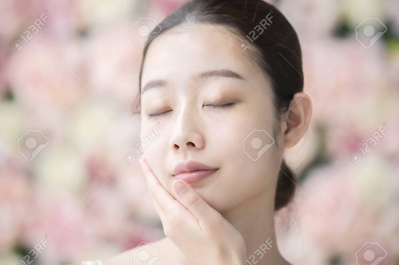 Skin Care, Women,Flower Background - 134830741