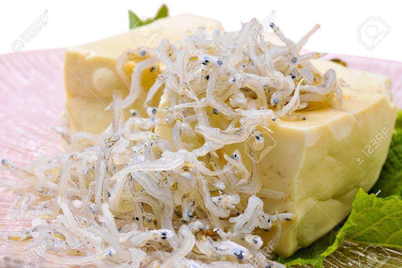 Hiyayakko the Japanese healthy tofu dish Stock Photo - 16479740