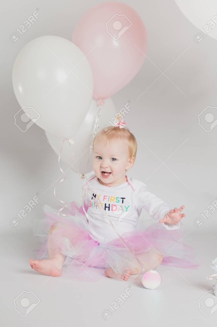 Portretten Van De Het Meisjesverjaardag Van Het één éénjarigenmeisje