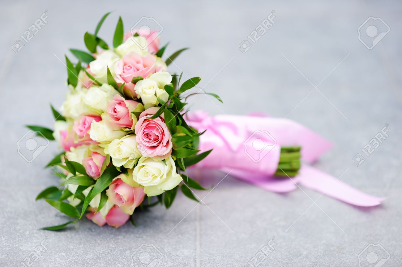 Beautiful Wedding Flowers Bouquet With Yellow And Pink Roses Stock ...