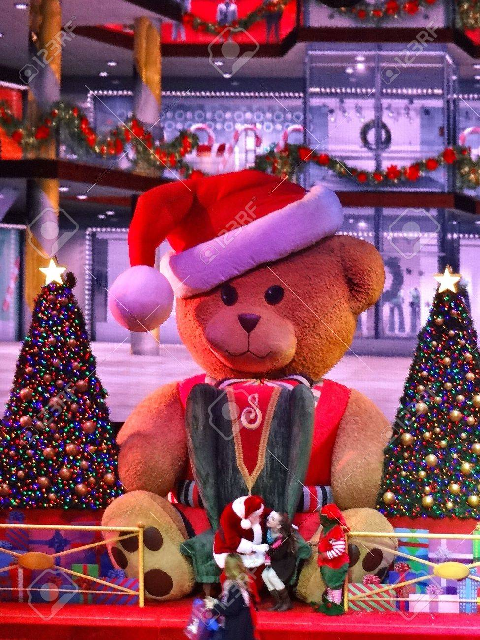Giant Teddy Bear Is Part Of The Christmas Story For The Radio ...
