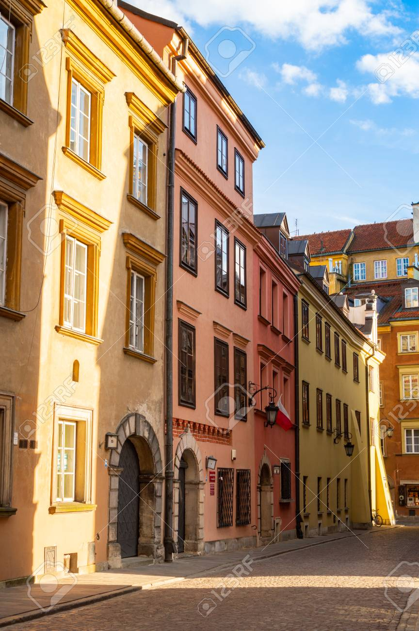 Building in old town of Warsaw. The travel destination of Poland. - 106023679