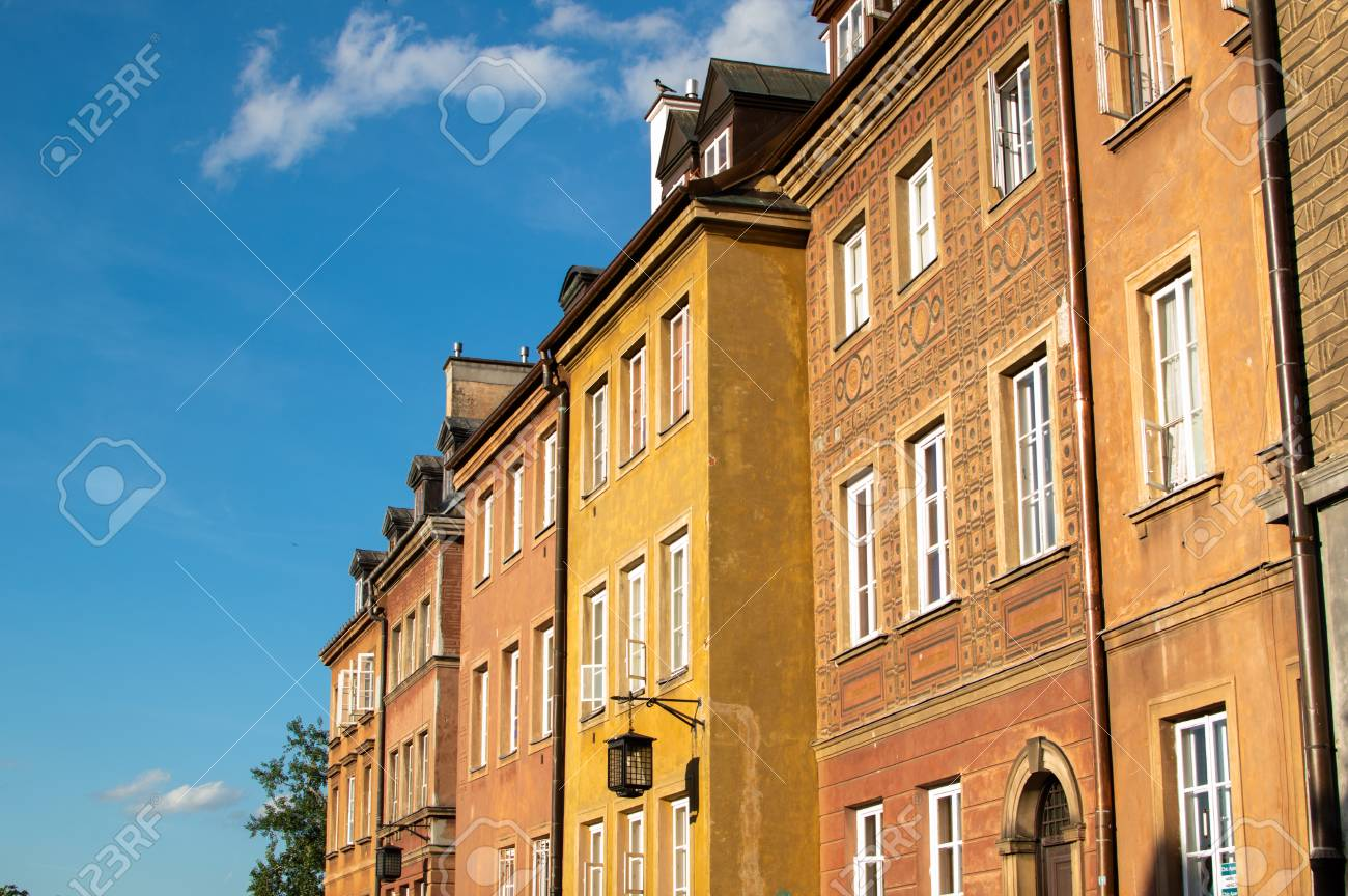 Colorful buildings in the old city in Warsaw. Travel destination - 106023697
