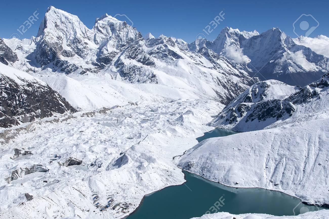 beautiful view of the Himalayas from Gokyo Ri circa - 89865146